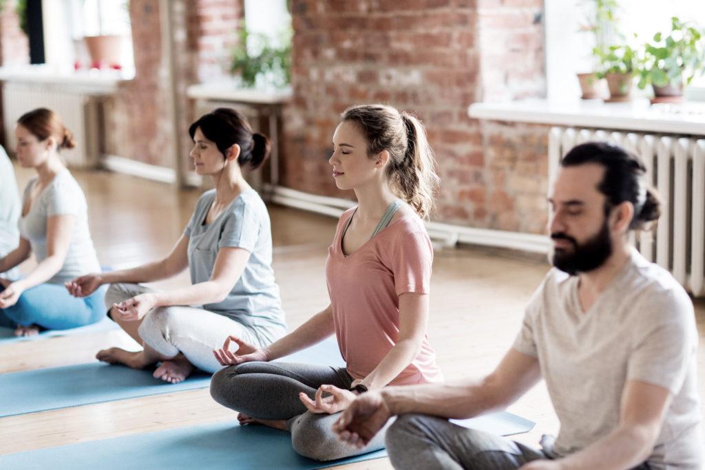 cours yoga en groupe